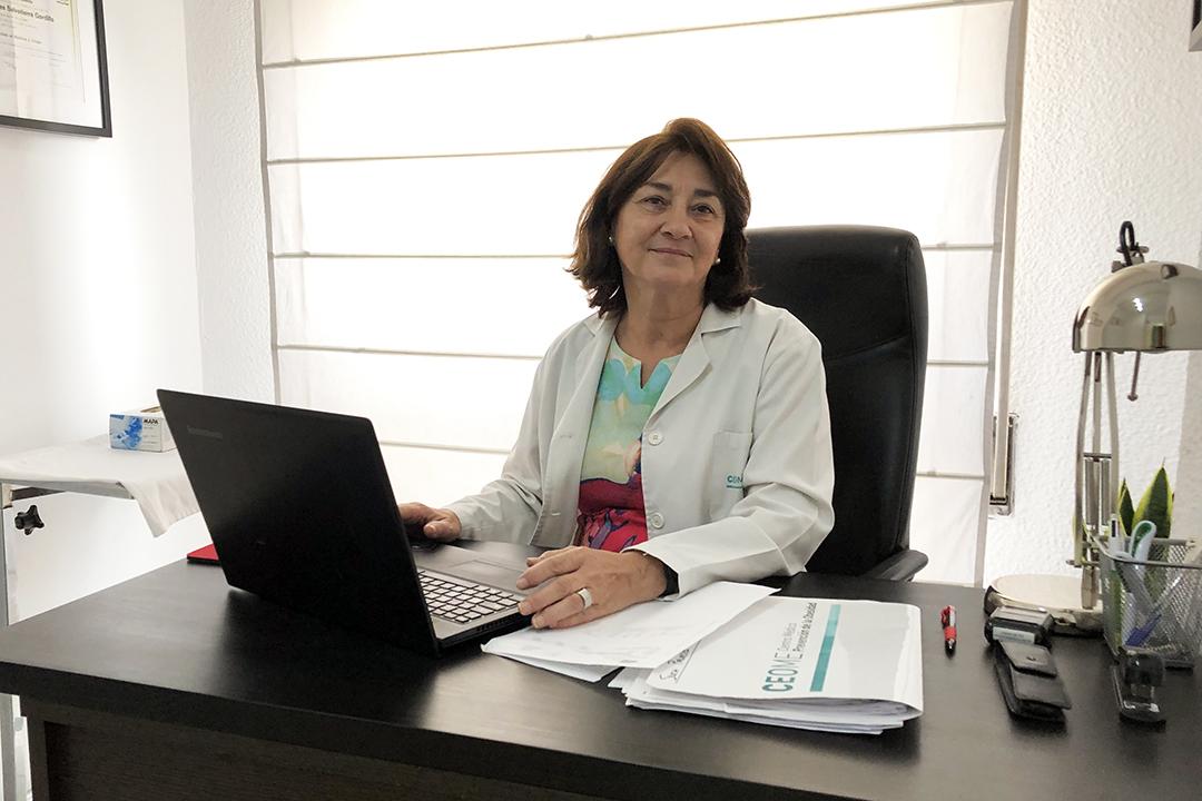 Dra. Reyes Salvatierra